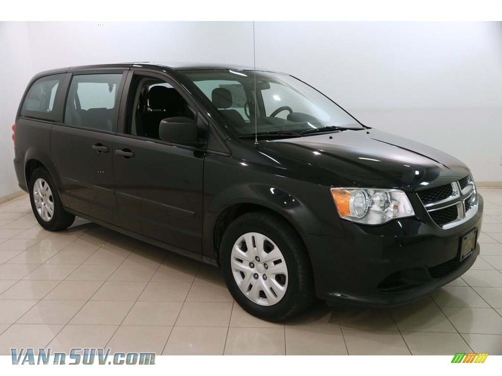 2013 Grand Caravan SE - Brilliant Black Crystal Pearl / Black/Light Graystone photo #1
