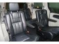 Chrysler Town & Country Touring-L Brilliant Black Crystal Pearl photo #45