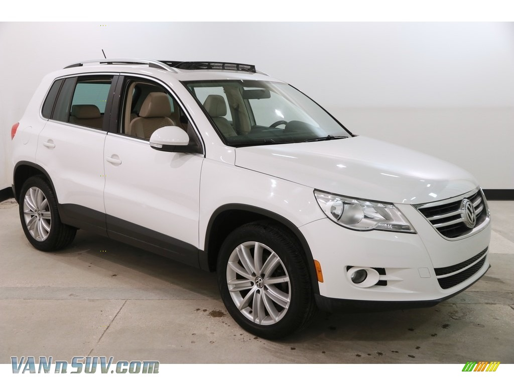 2009 Tiguan SE 4Motion - Candy White / Sandstone photo #1