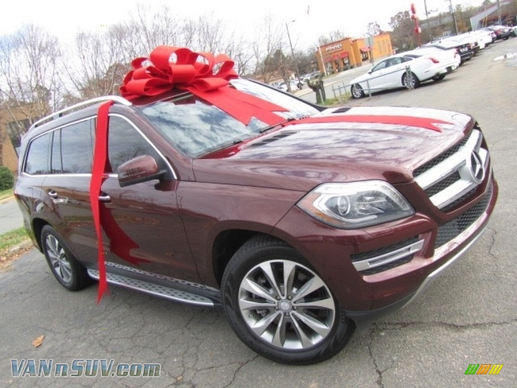 Cinnabar Red Metallic / Almond Beige Mercedes-Benz GL 450 4Matic