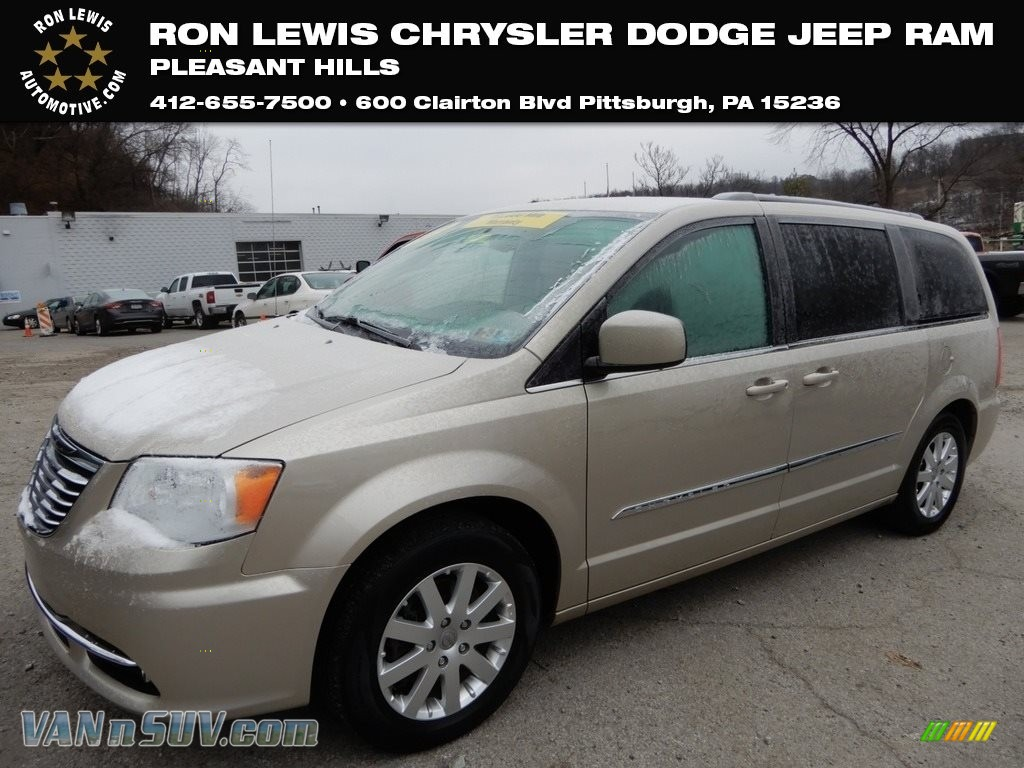 2014 Town & Country Touring - Cashmere Pearl / Dark Frost Beige/Medium Frost Beige photo #1