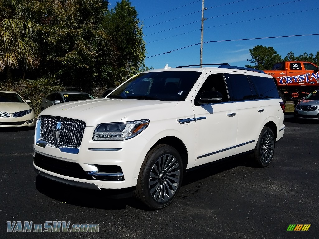 2019 Navigator Reserve 4x4 - White Platinum Metallic Tri-Coat / Ebony photo #1