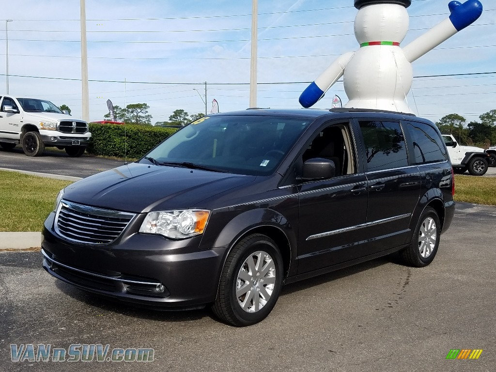 2015 Town & Country Touring - Granite Crystal Metallic / Black/Light Graystone photo #1