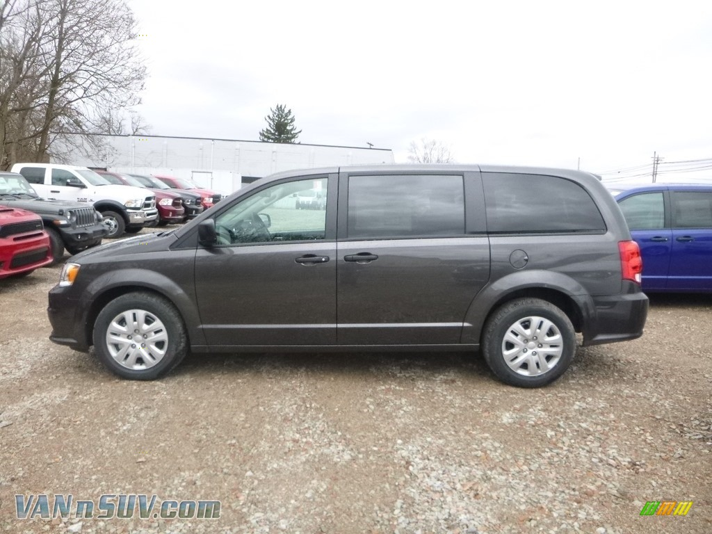 2019 Grand Caravan SE - Granite Pearl / Black/Light Graystone photo #2