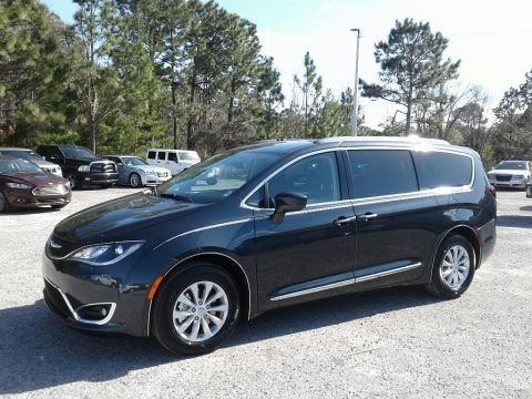 Maximum Steel Metallic 2019 Chrysler Pacifica Touring L