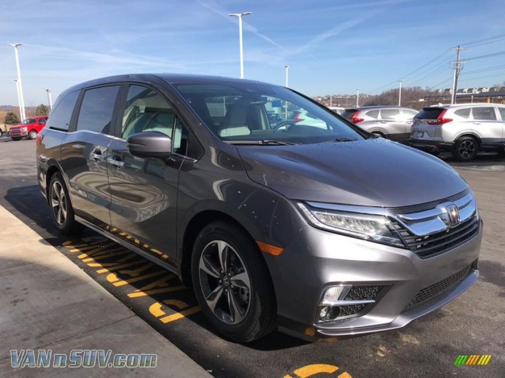 2019 Odyssey Touring - Modern Steel Metallic / Gray photo #5