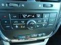 Chrysler Town & Country Touring-L Brilliant Black Crystal Pearl photo #21