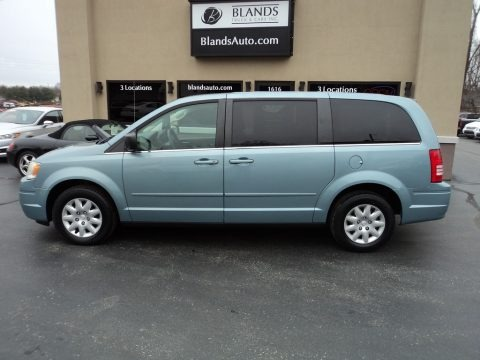Clearwater Blue Pearl 2009 Chrysler Town & Country LX