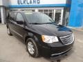 Chrysler Town & Country Touring Brilliant Black Crystal Pearl photo #3
