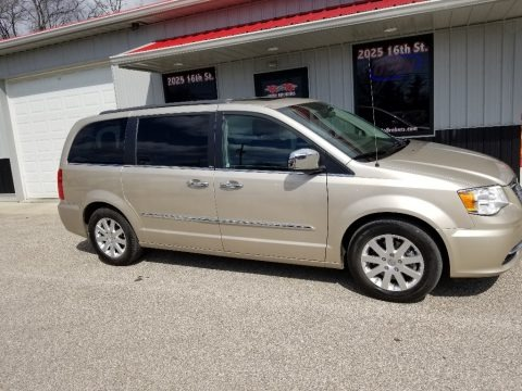 Cashmere Pearl 2012 Chrysler Town & Country Touring - L