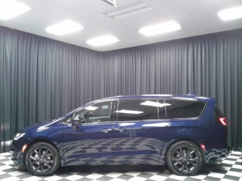 Jazz Blue Pearl 2019 Chrysler Pacifica Touring Plus