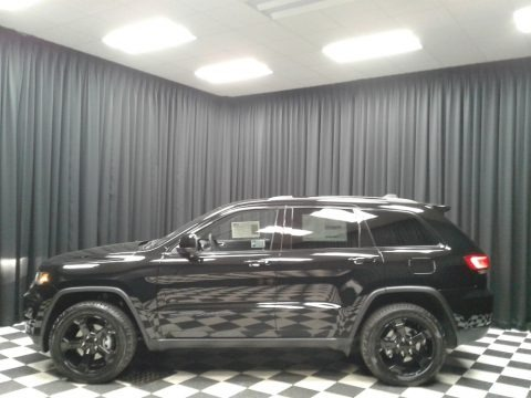 Diamond Black Crystal Pearl 2019 Jeep Grand Cherokee Upland 4x4