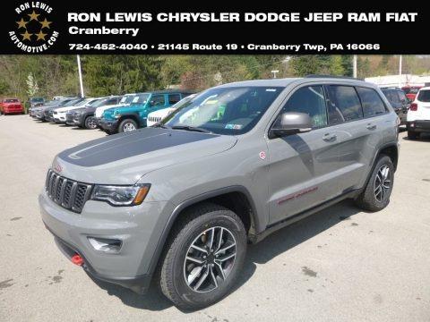 Sting-Gray 2019 Jeep Grand Cherokee Trailhawk 4x4