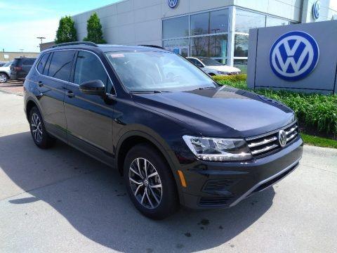Deep Black Pearl 2019 Volkswagen Tiguan SE 4MOTION