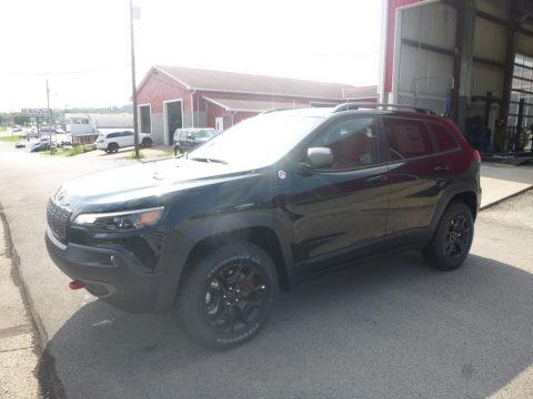 Diamond Black Crystal Pearl 2019 Jeep Cherokee Trailhawk 4x4
