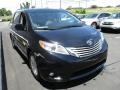 Toyota Sienna XLE Midnight Black Metallic photo #7