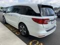 Honda Odyssey Touring White Diamond Pearl photo #5