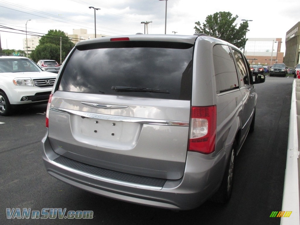 2013 Town & Country Touring - Billet Silver Metallic / Black/Light Graystone photo #5