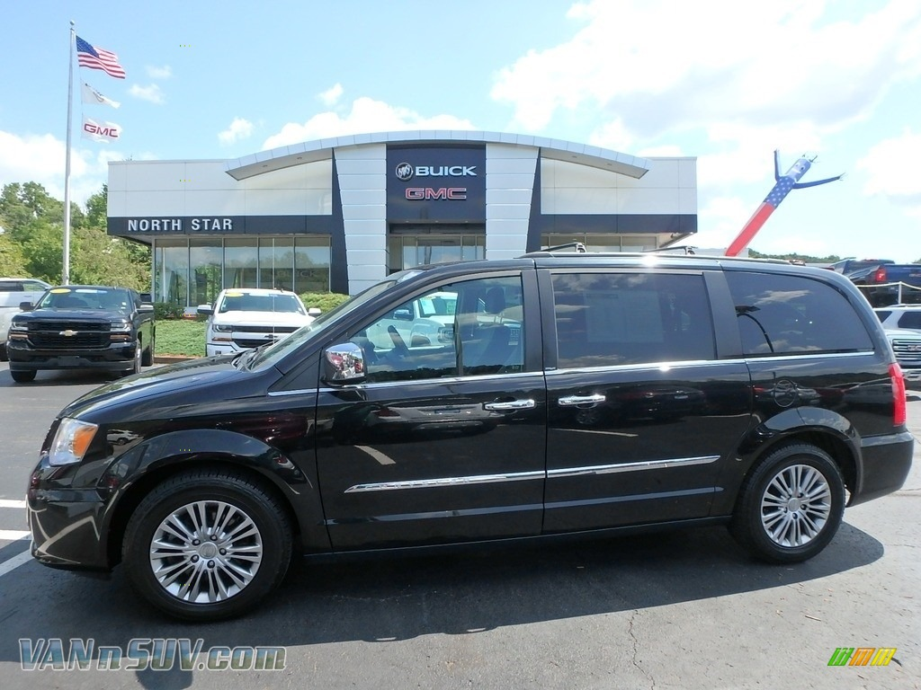 2013 Town & Country Touring - L - Brilliant Black Crystal Pearl / Black/Light Graystone photo #1
