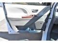 Toyota Sienna XLE AWD Super White photo #27