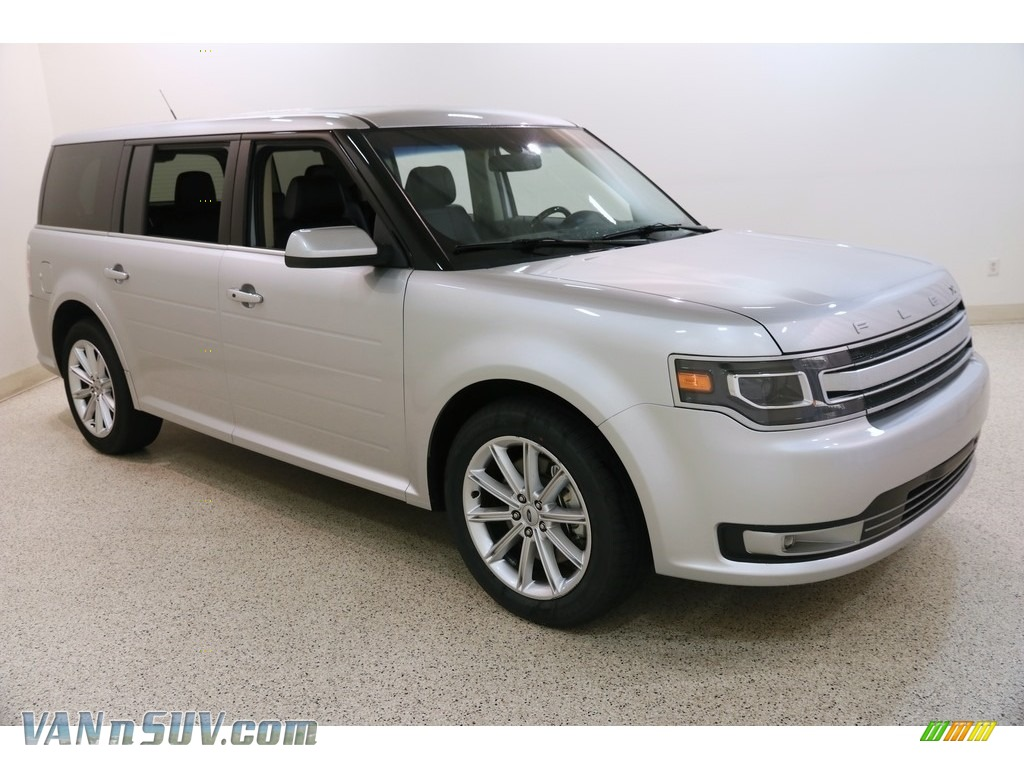 Ingot Silver / Charcoal Black Ford Flex Limited AWD