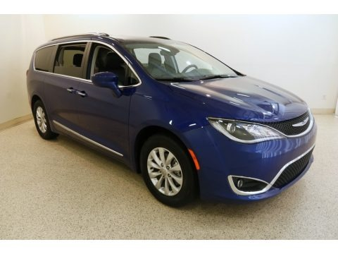 Ocean Blue Metallic 2019 Chrysler Pacifica Touring L