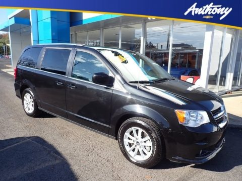 Black Onyx Crystal Pearl 2018 Dodge Grand Caravan SXT