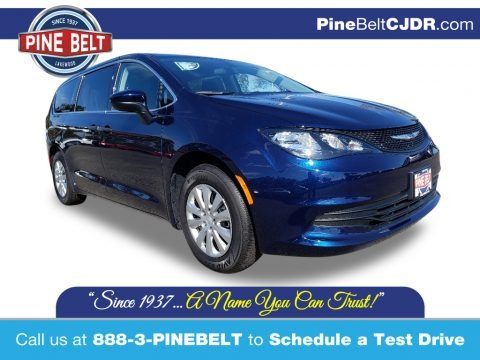 Jazz Blue Pearl 2020 Chrysler Voyager L