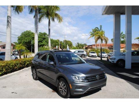 Platinum Gray Metallic 2019 Volkswagen Tiguan SE