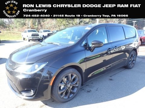 Brilliant Black Crystal Pearl 2020 Chrysler Pacifica Touring