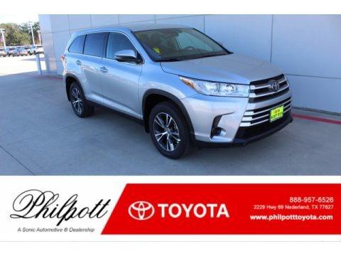 Celestial Silver Metallic 2019 Toyota Highlander LE
