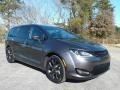 Chrysler Pacifica Touring Granite Crystal Metallic photo #4
