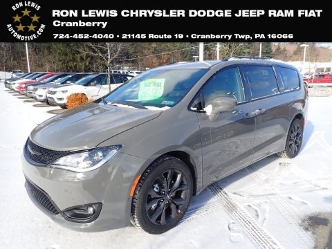Ceramic Grey 2020 Chrysler Pacifica Touring L