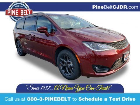 Velvet Red Pearl 2020 Chrysler Pacifica Limited