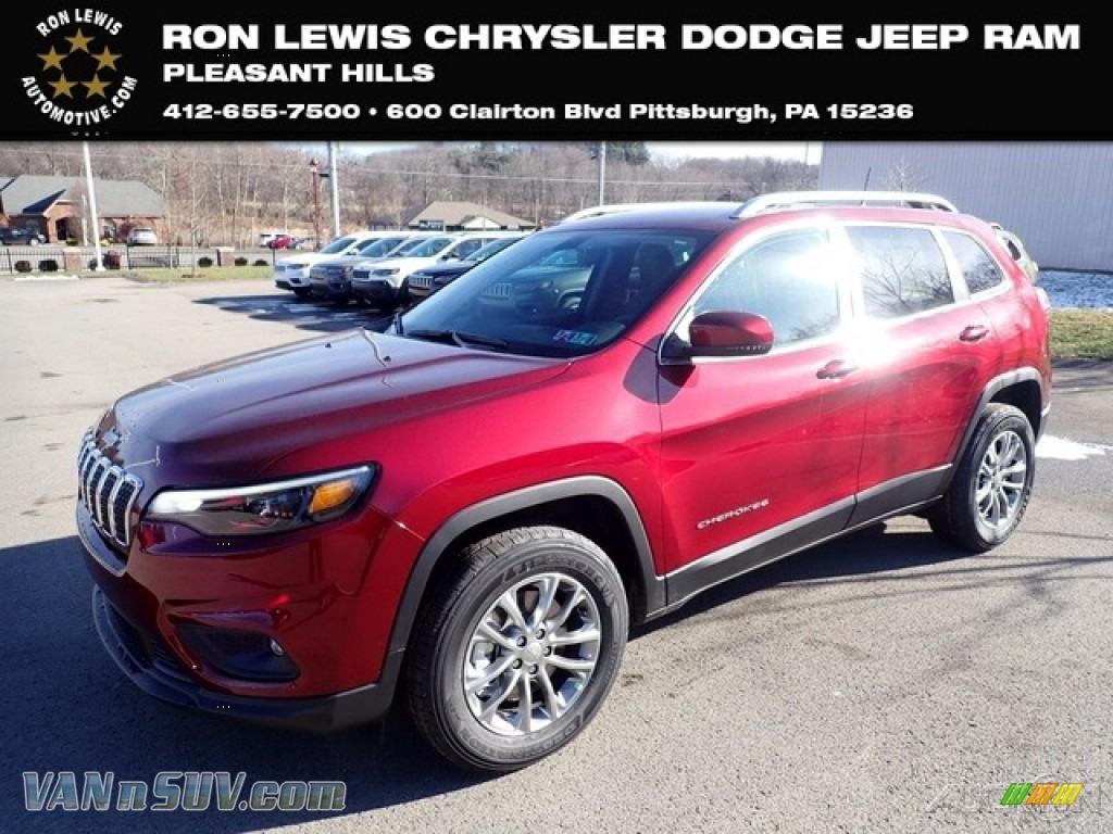 2020 Cherokee Latitude Plus 4x4 - Velvet Red Pearl / Black photo #1