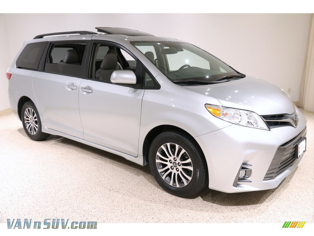 2020 Sienna XLE - Celestial Silver Metallic / Ash photo #1