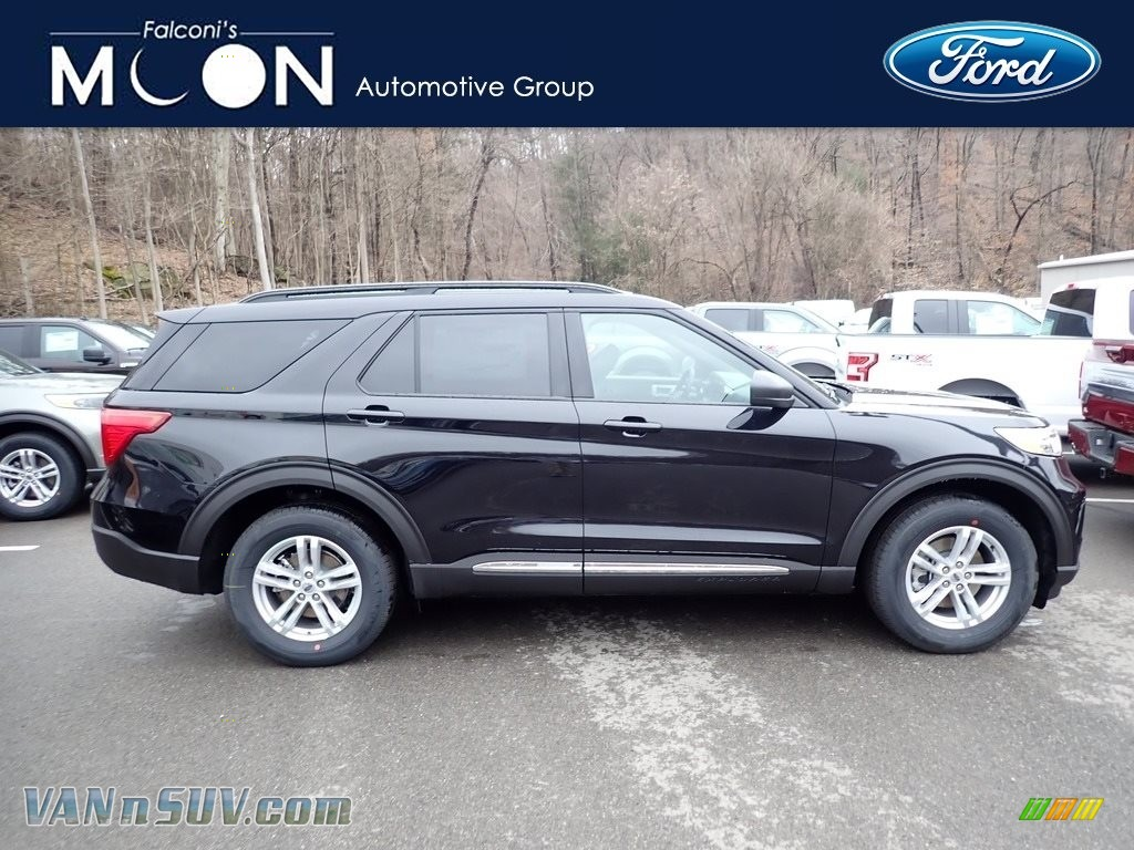 Agate Black Metallic / Ebony Ford Explorer XLT 4WD