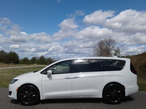 Bright White 2020 Chrysler Pacifica Touring