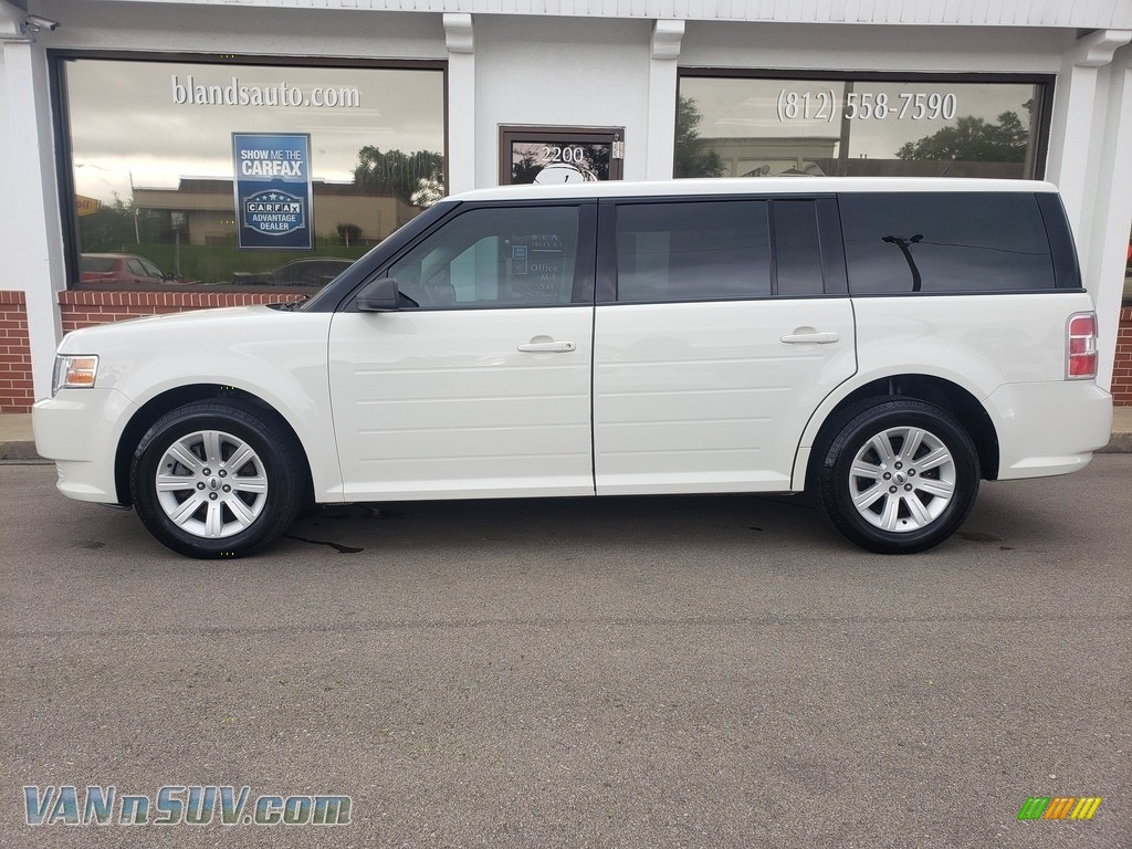 White Suede / Medium Light Stone Ford Flex SE