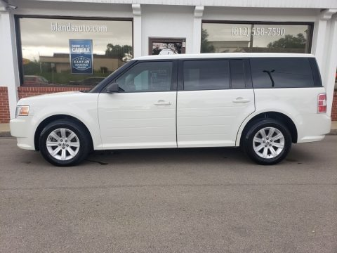 White Suede 2010 Ford Flex SE
