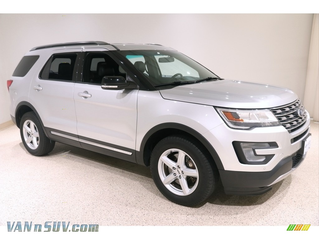 2017 Explorer XLT 4WD - Ingot Silver / Ebony Black photo #1