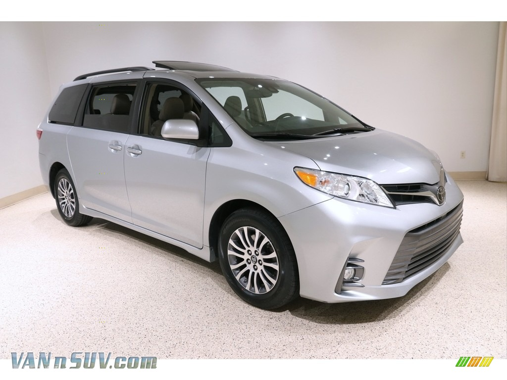 2019 Sienna XLE - Celestial Silver Metallic / Dark Bisque photo #1