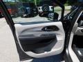 Chrysler Voyager LX Granite Crystal Metallic photo #13