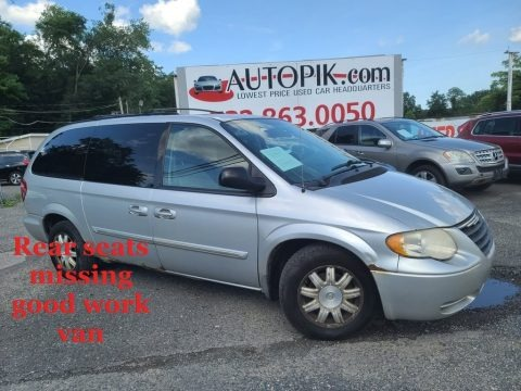 Bright Silver Metallic 2006 Chrysler Town & Country Touring