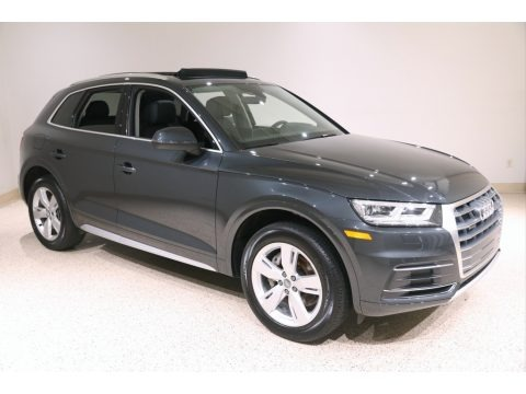 Manhattan Gray Metallic 2019 Audi Q5 Premium Plus quattro