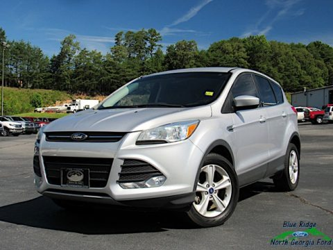 Ingot Silver Metallic 2016 Ford Escape SE