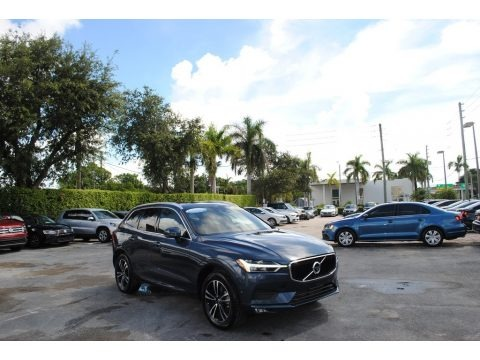 Denim Blue Metallic 2018 Volvo XC60 T5 AWD Momentum
