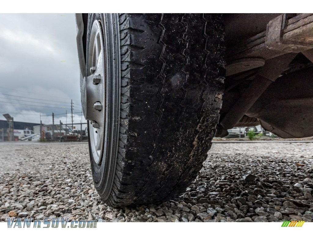 2012 E Series Van E150 Cargo - Oxford White / Medium Flint photo #12