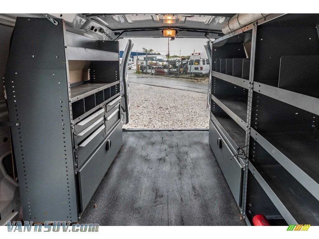 2012 E Series Van E150 Cargo - Oxford White / Medium Flint photo #28