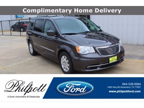 Granite Crystal Metallic 2016 Chrysler Town & Country Touring